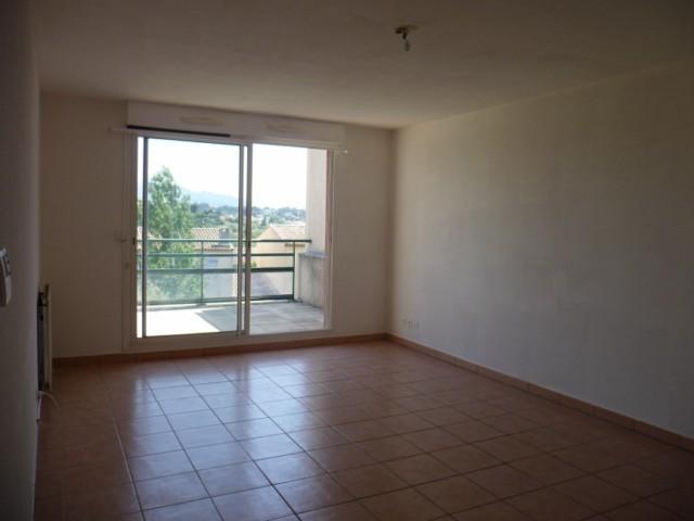 Vente Appartement T3 MARSEILLE 13013 TECHNOPOLE CHATEAU GOMBERT A VENDRE - 2EME ET DERNIER ETAGE - TERRASSE - PARKING - PROXIMITE ECOLES BUS COMMERCES